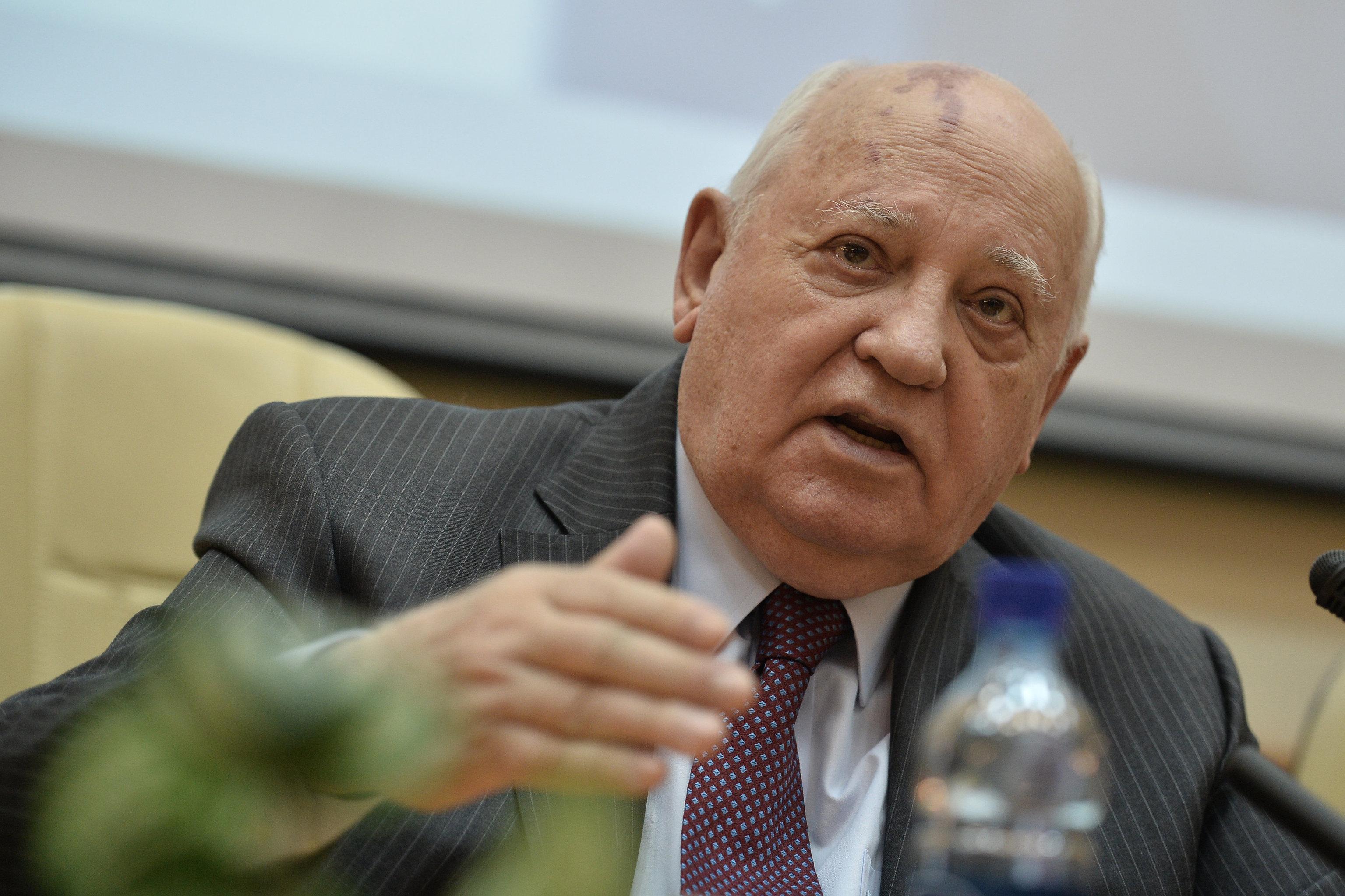 Горбачев призывает Путина и Обаму начать переговоры по Украине