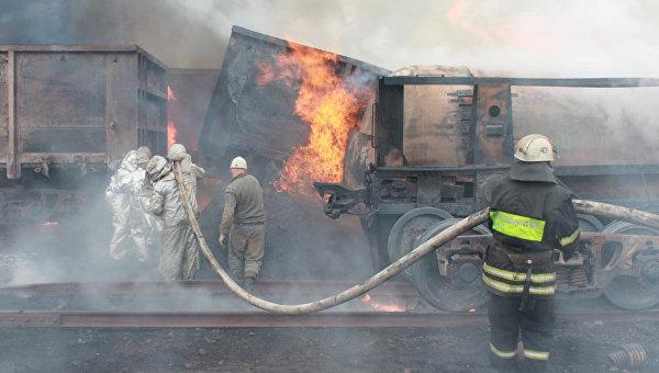 В ЛНР привезли 50 единиц гуманитарной пожарной техники из России