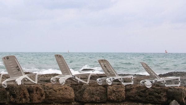 Число иностранных туристов в Турции сократилось в марте на 13%