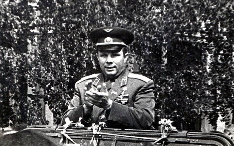 Горсовет продолжает принимать фотографии визита Юрия Гагарина вБрянск