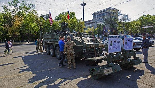 Бронетехника НАТО выведена из центра Кишинева
