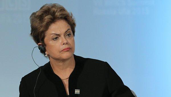 Генпрокурор Бразилии намерен начать расследование о коррупции Роуссефф