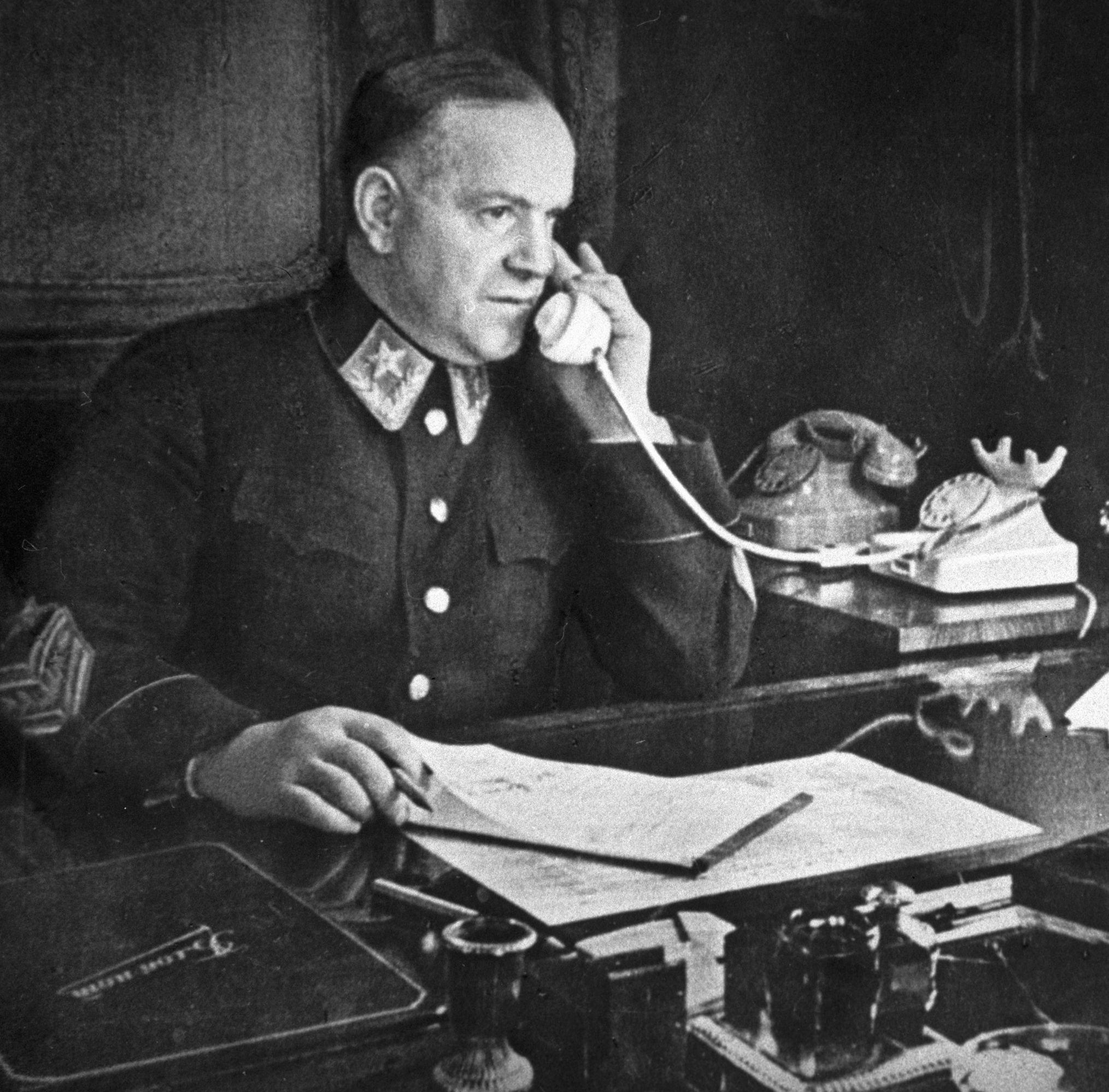 Архивы: Любимец Сталина