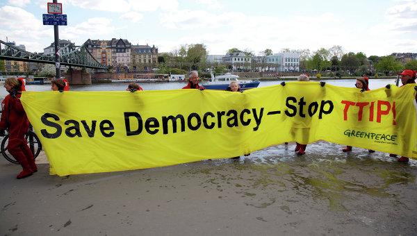 В ЕС назвали неправильными некоторые данные Greenpeace по ТТП Евросоюз-США