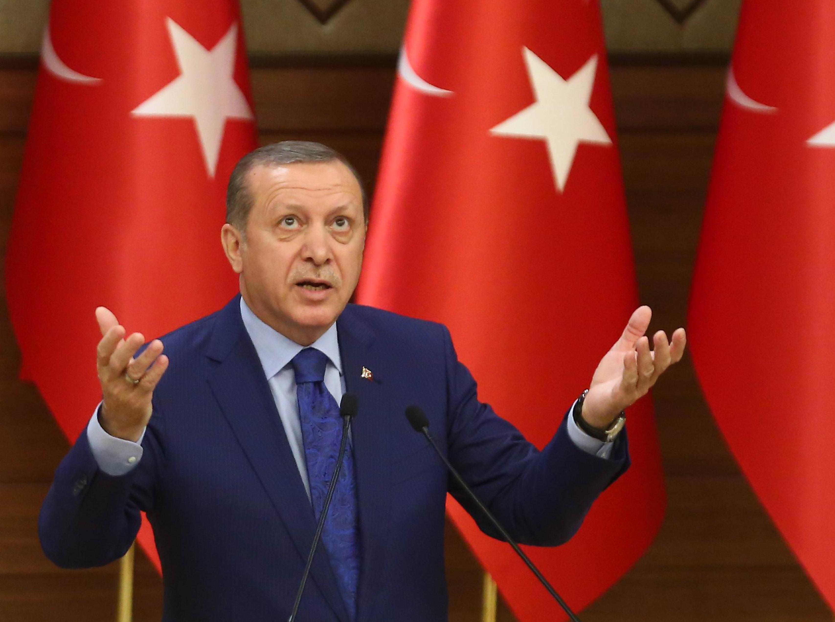 На ком лежит вина за хаос в Турции? На Эрдогане или сирийской войне?