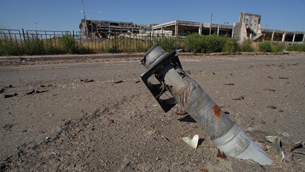СМИ: украинские силовики обстреляли пригород Донецка и район аэропорта