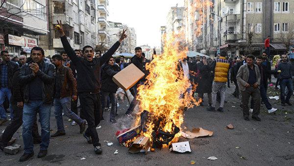 Правозащитники Турции обвиняют власти в разжигании войны против курдов
