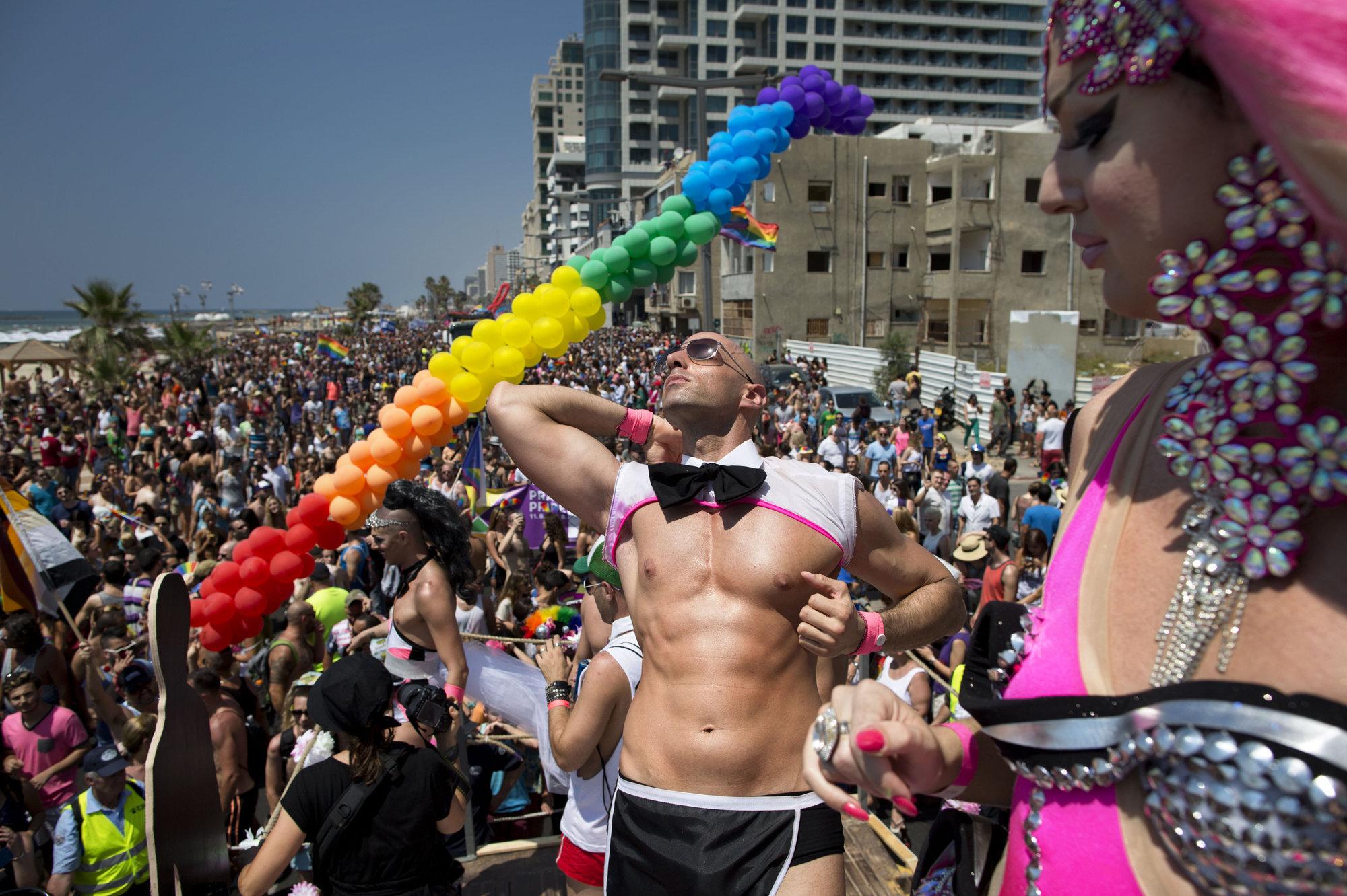 Удивлению подполковника, геи израиля трудом