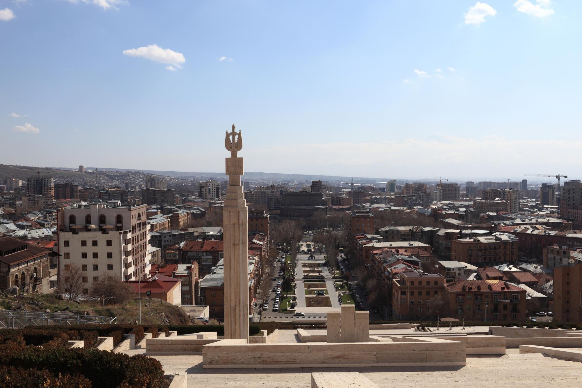 Признает ли Армения независимость Нагорного Карабаха?