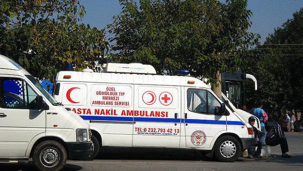 В турецком городе Килис у границы с Сирией упали две ракеты, есть раненые