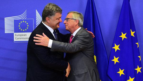 Порошенко рассказал главе ЕК о ситуации с Донбассом и Савченко