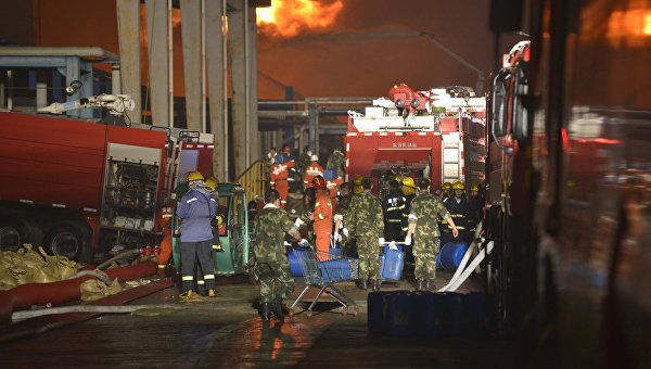 На складе с химикатами в Китае полностью потушили пожар