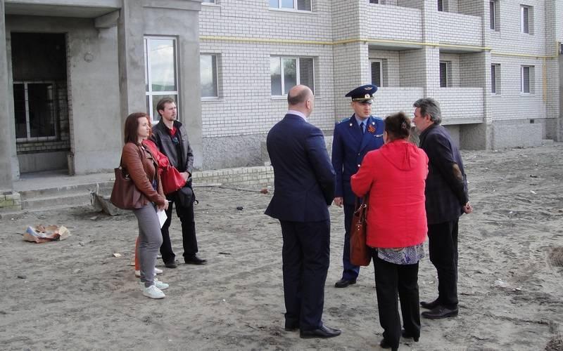 Брянская прокуратура взяла наконтроль ситуацию сволодарскими дольщиками