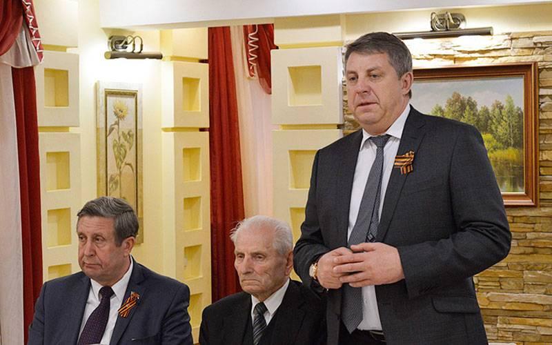 Руководители области поздравили ветеранов ижителей Брянщины сДнем Победы
