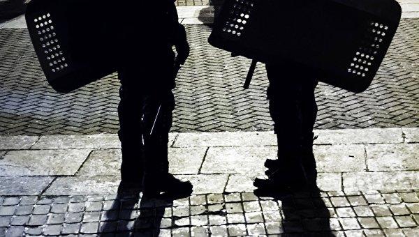 В Днепропетровске полиция нашла гранату и задержала мужчину с пистолетом