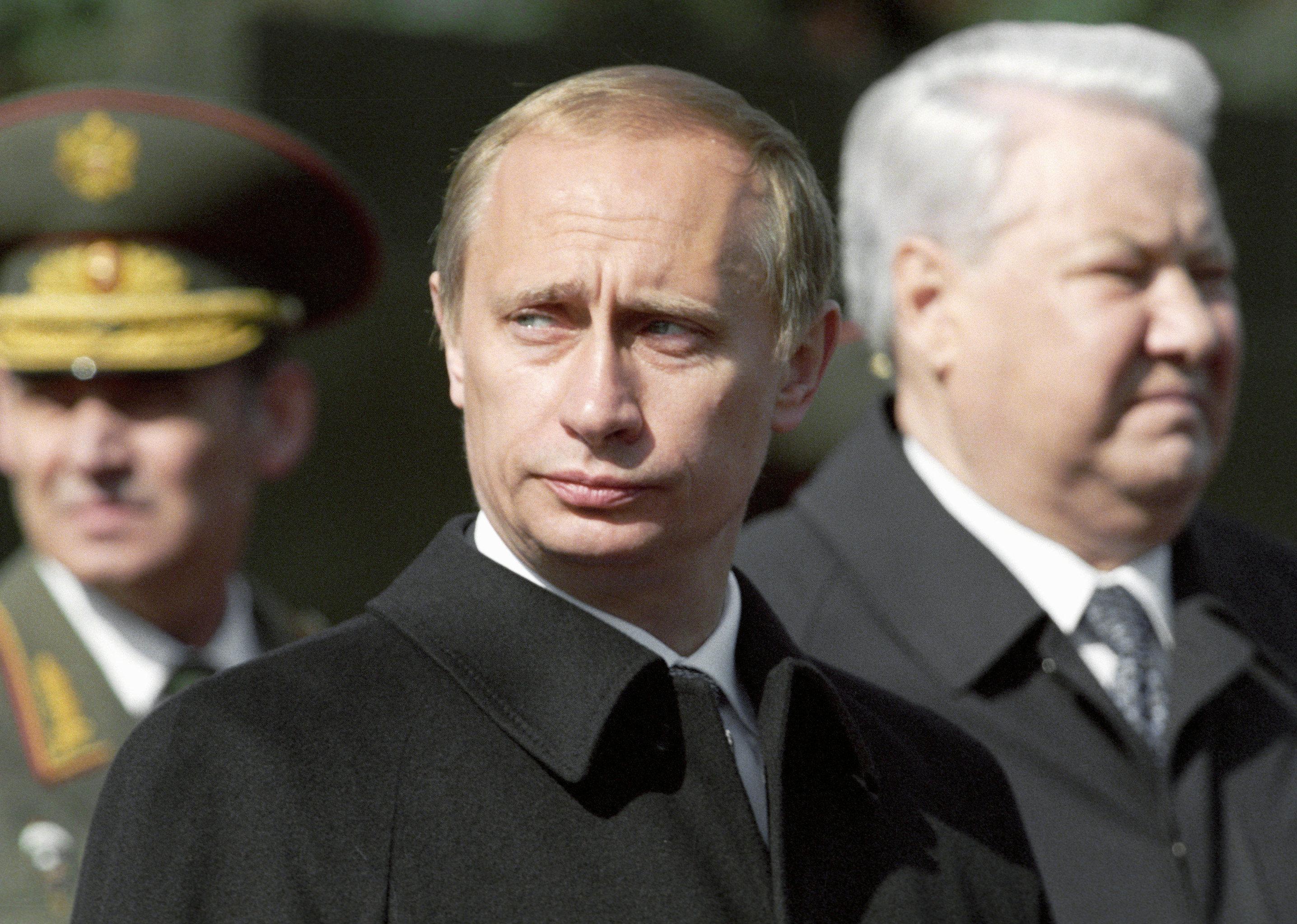 «Меньше знаешь — крепче спишь»: процесс становления диктатуры в России