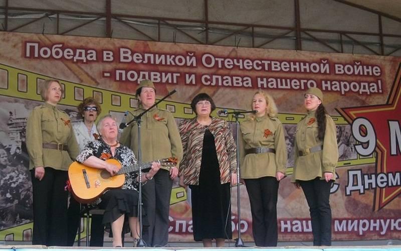 В Брянске налитературно-музыкальном марафоне прозвучали стихи ипесни военных лет