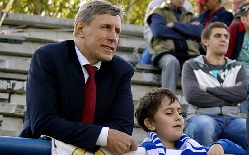 В Карачеве открыли футбольный сезон