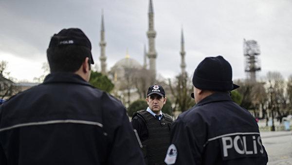 Бомба в подозрительной машине в Стамбуле не обнаружена