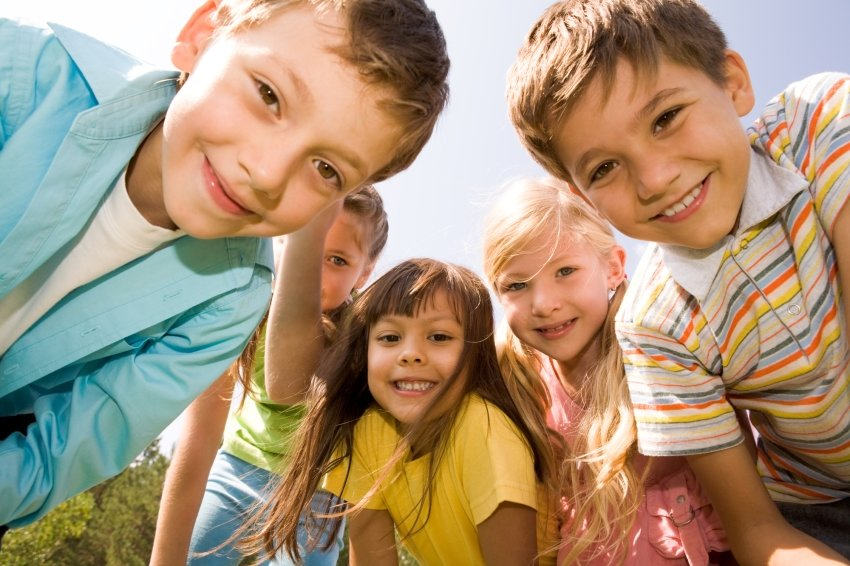 Ученые выяснили, что является залогом счастья детей