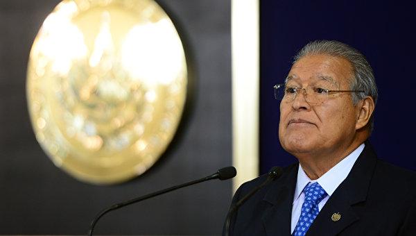 СМИ: Сальвадор отозвал посла в Бразилии в поддержку Роуссефф