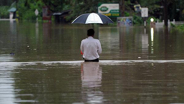 Более 200 тысяч человек покинули свои дома из-за наводнения на Шри-Ланке