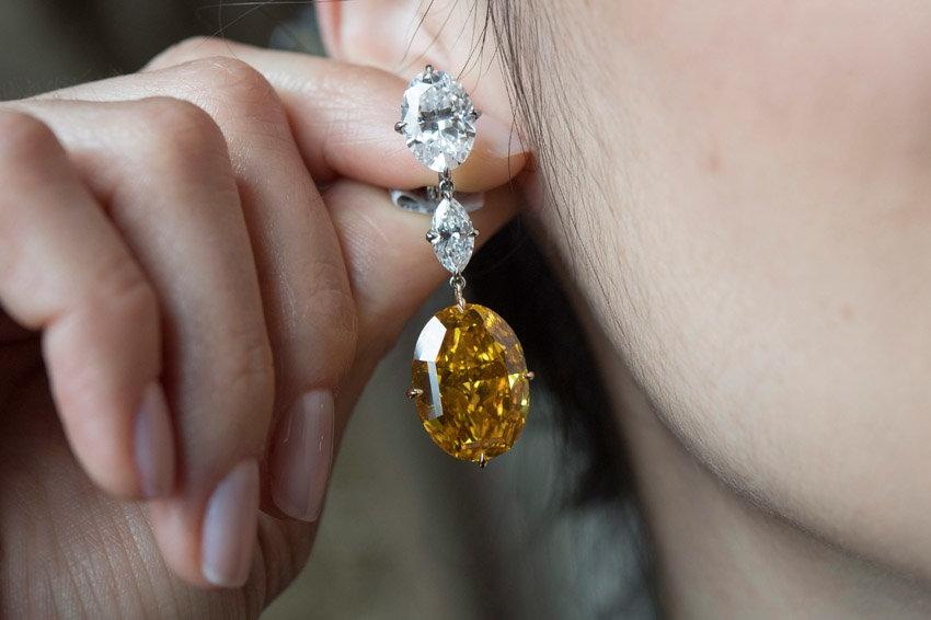 Россиянки стали чаще покупать бриллианты