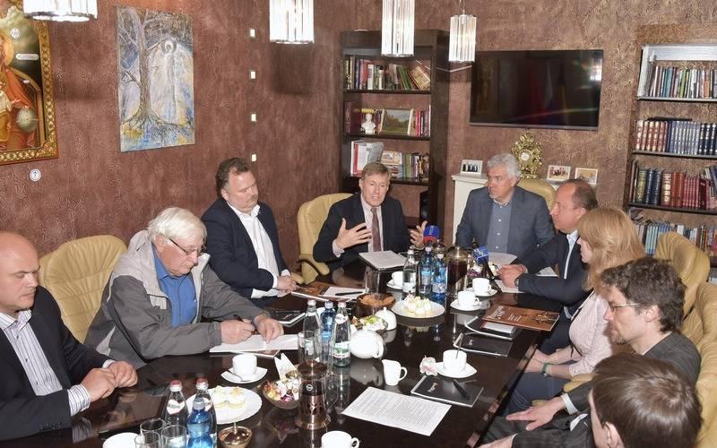 Изборский клуб поддержал патриотические инициативы Виктора Гринкевича