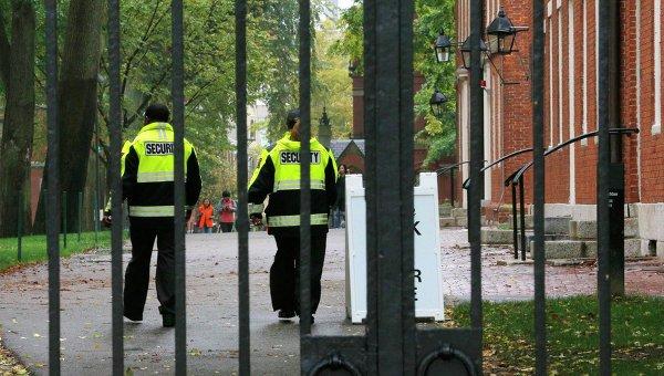 Студентов Гарварда снова эвакуируют из-за сообщений о бомбе