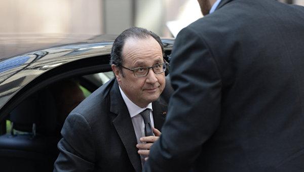 Олланд проведет министерское совещание после исчезновения самолета EgyptAir