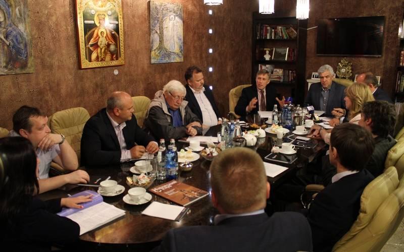 Актуальную вроссийском обществе повестку примирения «красных» и«белых» поддержали ив Брянске