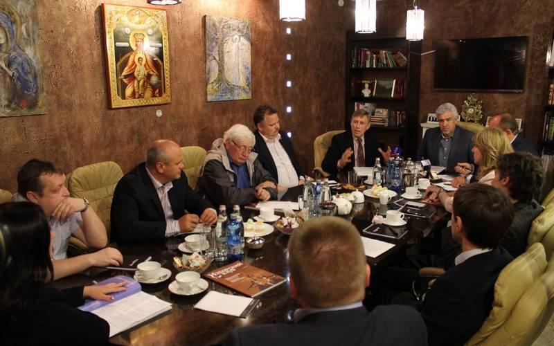 Актуальную вроссийском обществе повестку примирения «красных» и«белых» поддержали вБрянске