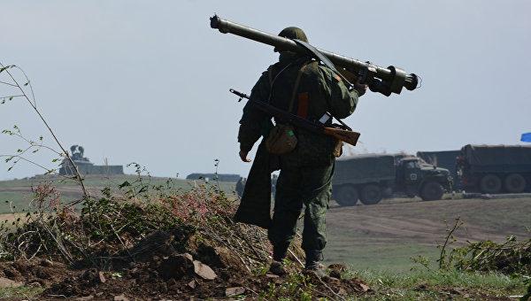 В ЛНР заявили, что ночью силовики обстреляли республику из гранатометов