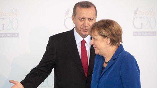 Экс-посол ЕС в Турции объяснил, как ФРГ помогла Эрдогану упрочить власть