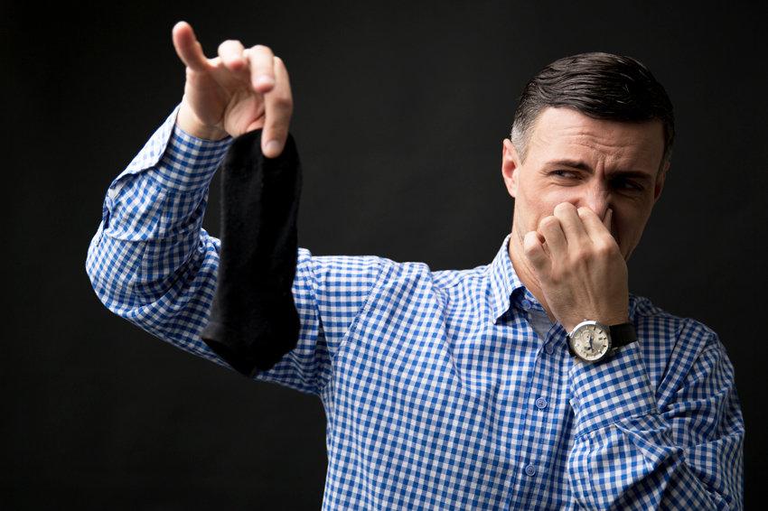 Британские ученые нашли причину плохо пахнущих носков