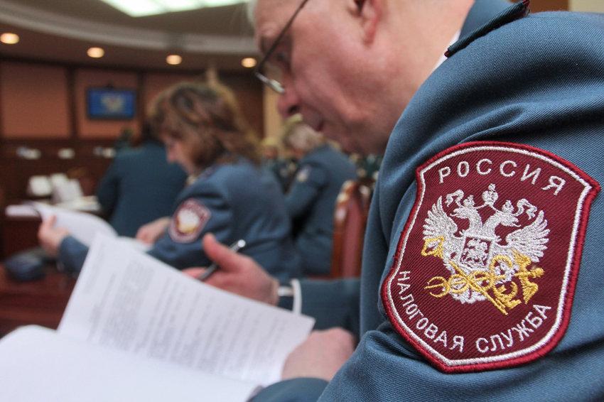Россиян обязали сообщить о доходах за рубежом до 1 июня