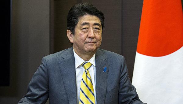 Абэ потребует от Обамы принять меры по недопущению преступлений военных США