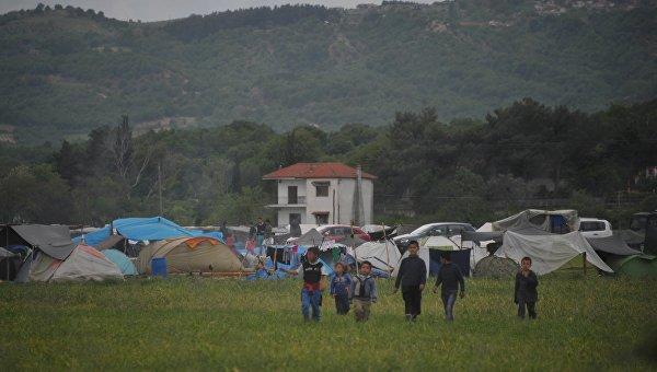 Более тысячи человек эвакуированы из лагеря беженцев близ Идомени