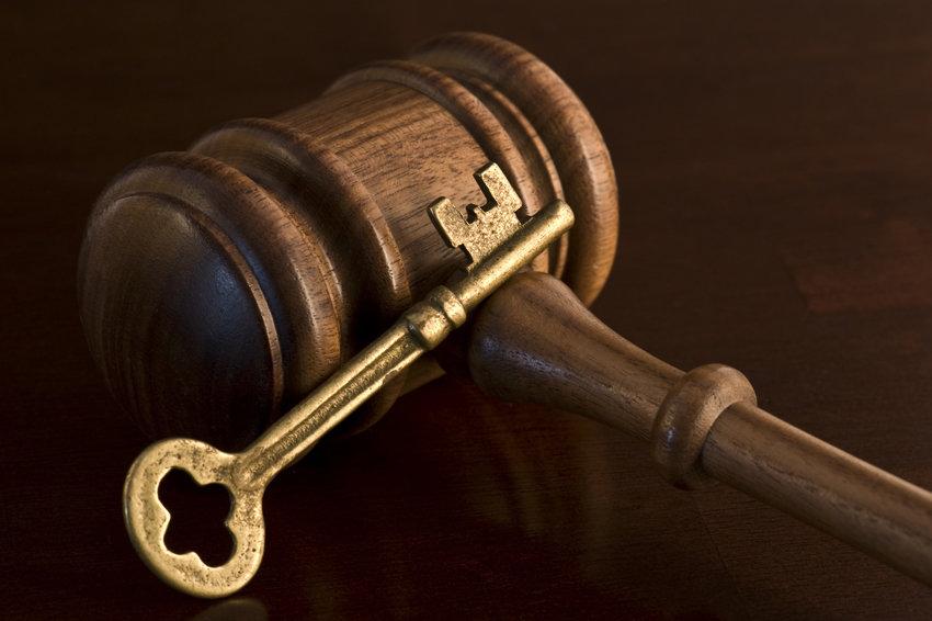 Верховный суд разъяснил, как платить пожизненную ренту
