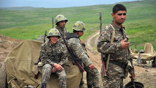 Минобороны НКР: ночью ВС Азербайджана обстреливали линию соприкосновения