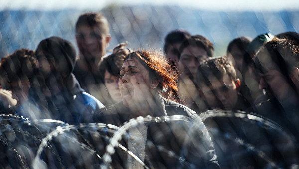 В Идомени более 700 полицейских контролируют эвакуацию беженцев