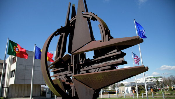 Символ НАТО перенесут к зданию новой штаб-квартиры альянса в выходные