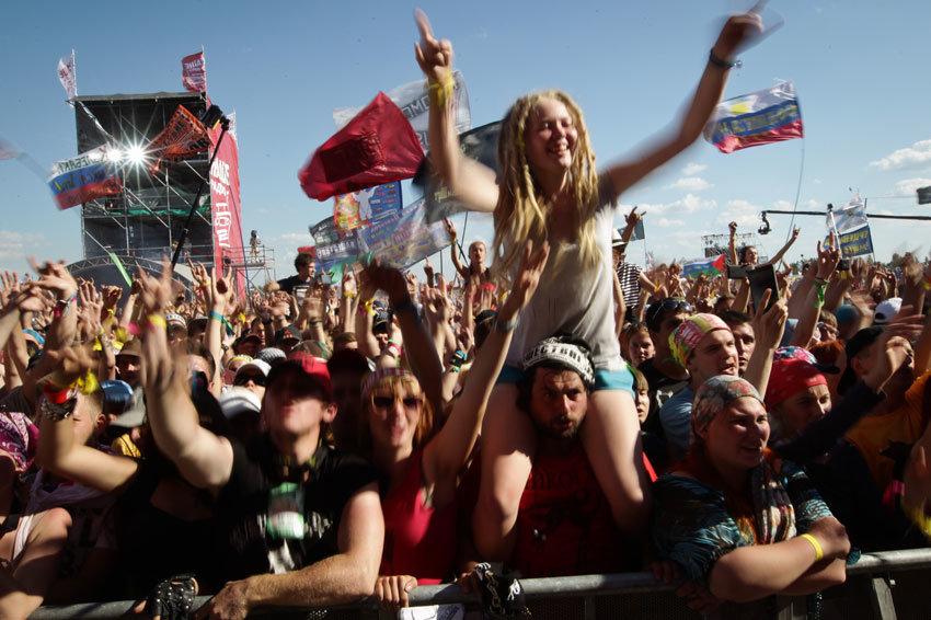 Какие музыкальные фестивали нельзя пропустить в начале лета