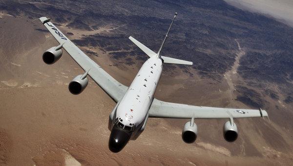 В Swiss Air заявили, что пилоты компании 22 мая видели неопознанный самолет