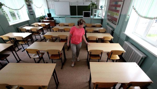 В Белоруссии усилят меры безопасности в школах после покушения на учителя