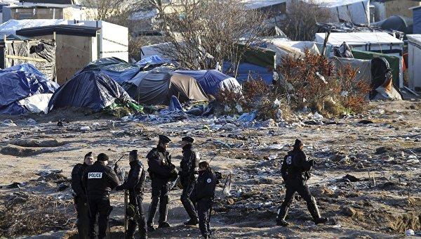 В Кале в результате стычки между мигрантами пострадали более 20 человек
