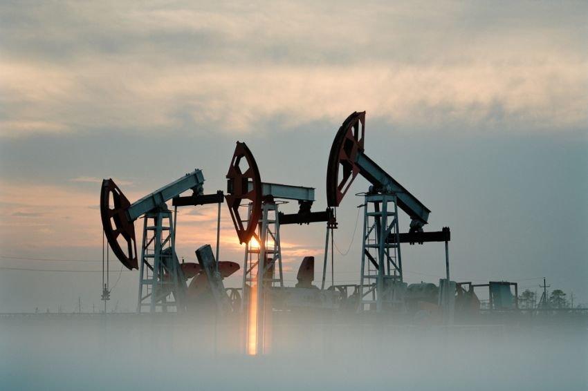 Нефть пробила психологическую отметку в 50 долларов за баррель