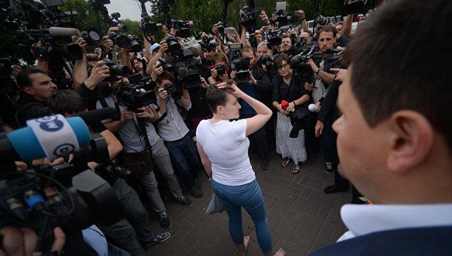 Источник в Москве опроверг связь между помилованием Савченко и