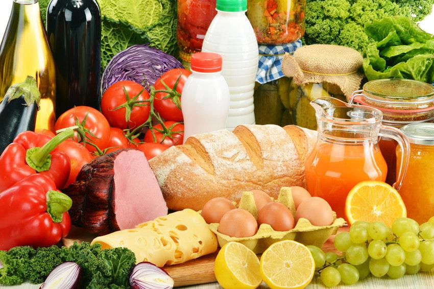 Сколько продуктов питания можно купить на среднюю зарплату