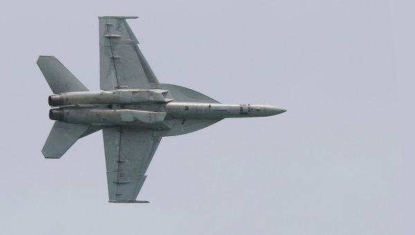 Пилоты двух военных самолетов F-18, упавших в Атлантический океан, спасены